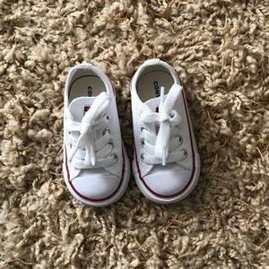 White Converse Sz 4c